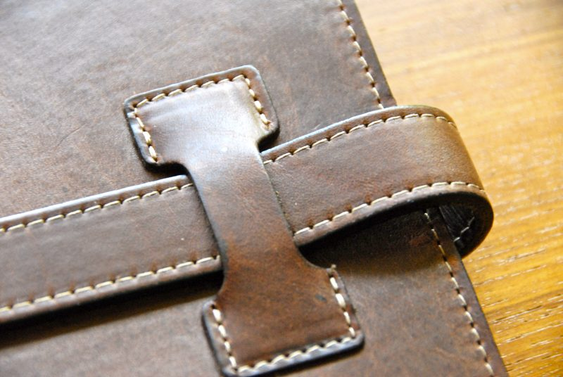 Gen Con leather tab closure